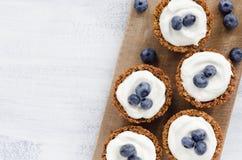 Gezonde dessertpastei met verse bosbes Stock Fotografie