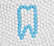 Gezonde die tand van pillen wordt gemaakt Royalty-vrije Stock Foto's