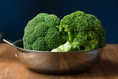 Gezonde Groene Organische Ruwe Broccolibloemen Klaar voor het Koken BR Royalty-vrije Stock Foto's
