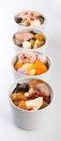 Gezonde kruidsoep in potten Chinese stijl. Royalty-vrije Stock Afbeeldingen