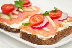 Gezonde open sandwiches stock foto