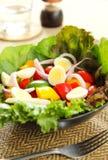 Gezonde salade met kwartelseieren Royalty-vrije Stock Fotografie