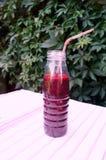 Gezonde smoothie van bes van blackcurrant vitaminedrank, het concept van de zomerdesserts Stock Foto
