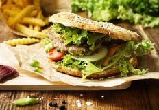 Gezonde Vegetariër Gespelde Hamburger stock afbeelding
