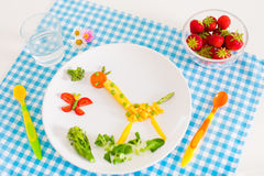 Gezonde vegetarische lunch voor jonge geitjes Stock Afbeeldingen
