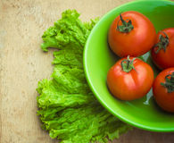 Gezonde verse groenteningrediënten voor het koken in rustieke setti Stock Foto