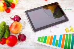 Gezonde voeding en tablet Royalty-vrije Stock Foto's