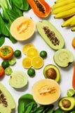 Gezonde voeding Organische Groenten, Vruchten De ingrediënten van het voedsel royalty-vrije stock afbeeldingen