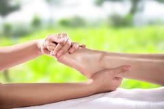 Gezonde voetmassage royalty-vrije stock afbeeldingen