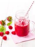 Gezonde vruchten smoothie drank met frambozen Royalty-vrije Stock Foto