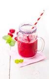 Gezonde vruchten smoothie drank met frambozen Royalty-vrije Stock Foto's