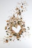 Gezonde zaden op witte achtergrond stock fotografie