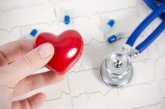 Gezondheidszorg met hart en stethoscoopsamenstelling Royalty-vrije Stock Foto