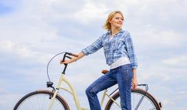 Gezondste het milieuvriendelijkst en tevredenstellend vormen van zelfvervoer Actieve vrije tijd en gezond stock foto