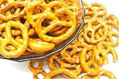 Gezouten pretzels op een plaat Royalty-vrije Stock Fotografie