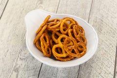 Gezouten smakelijke pretzel royalty-vrije stock afbeeldingen