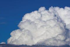 Gezwollen wolk Royalty-vrije Stock Afbeeldingen