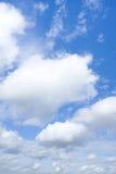 Gezwollen Wolken royalty-vrije stock fotografie