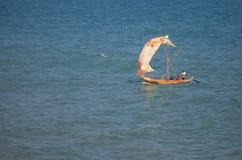 Ghańska stylowa żeglowanie łódź Obraz Royalty Free