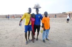 Ghanaians sulla spiaggia per il 1° maggio, festa di giorno di lavoro Immagini Stock