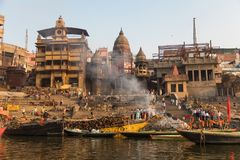 Ghat bruciante a Varanasi, India Fotografie Stock