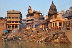 Ghat de queimadura em Varanasi, India Foto de Stock