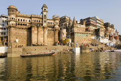 ghats hinduiska india varanasi Royaltyfria Bilder