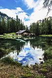 Ghedina sjö nära Cortina d'Ampezzo, Italien Arkivbilder