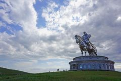 Ghengis Khan Statue royaltyfria bilder