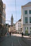 GHENT BELGIEN - APRIL 12, 2015: Folk som tycker om deras helg Arkivfoto
