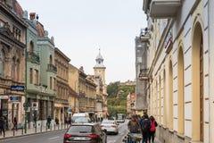 Gheorghe Bartitiu-Straße nahe zum Quadrat des Rats-Marktes in der alten Stadt von Brasov in Rumänien Lizenzfreies Stockbild