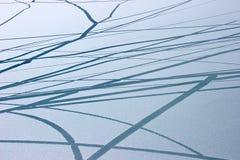 Ghiacci il reticolo delle crepe alla superficie del lago, Himalaya immagini stock libere da diritti