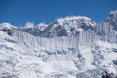 Ghiacci la parete della montagna dell'Himalaya, il passaggio della La di Kongma, la regione di Everest, N fotografie stock