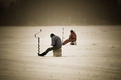 Ghiacci la pesca fotografie stock libere da diritti