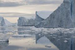 Ghiaccia ed iceberg delle regioni polari di terra Fotografie Stock Libere da Diritti