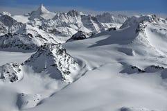 Ghiacciai e montagne nelle alpi in inverno Immagine Stock Libera da Diritti