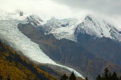 Ghiacciaio in alte montagne Immagini Stock