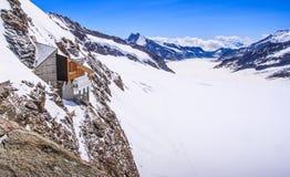 Ghiacciaio di Aletsch o di Aletschgletscher - ghiacci il paesaggio nelle regioni alpine svizzere, la stazione di Jungfraujoch, la Immagine Stock Libera da Diritti