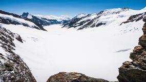 Ghiacciaio di Aletsch o di Aletschgletscher - ghiacci il paesaggio nelle regioni alpine svizzere, la stazione di Jungfraujoch, la Immagini Stock Libere da Diritti