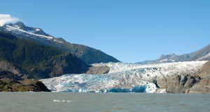 Ghiacciaio di Mendenhall dal lago, Alaska Fotografia Stock