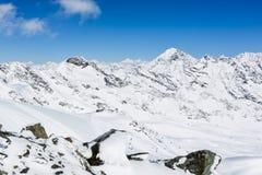 Ghiacciaio di Stubai di corsa con gli sci, Tirolo, terra di Innsbruck, Austria Fotografia Stock