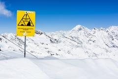 Ghiacciaio di Stubai di corsa con gli sci, Tirolo, terra di Innsbruck, Austria Immagine Stock