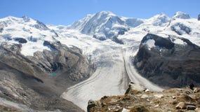 ghiacciaio e montagna fotografia stock