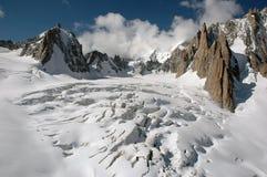 Ghiacciaio e montagne Fotografia Stock Libera da Diritti