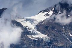 Ghiacciaio e neve in montagne dell'austriaco di estate Immagine Stock