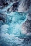 Ghiacciaio islandese con la frattura blu Fotografia Stock Libera da Diritti
