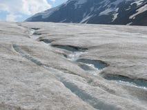 Ghiacciaio lungo la strada principale del ghiaccio nel parco nazionale di Banff Fotografia Stock