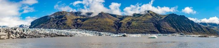 Ghiacciaio meraviglioso e grande di Skaftafellsjokull vicino a Skaftafell sull'Islanda del sud fotografia stock libera da diritti