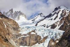 Ghiacciaio nella gamma di Fitz Roy Mountain, Argentina Fotografia Stock