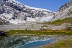 Ghiacciaio Nigardsbreen retrocedere - parco nazionale di Jostedalsbreen, no immagini stock libere da diritti